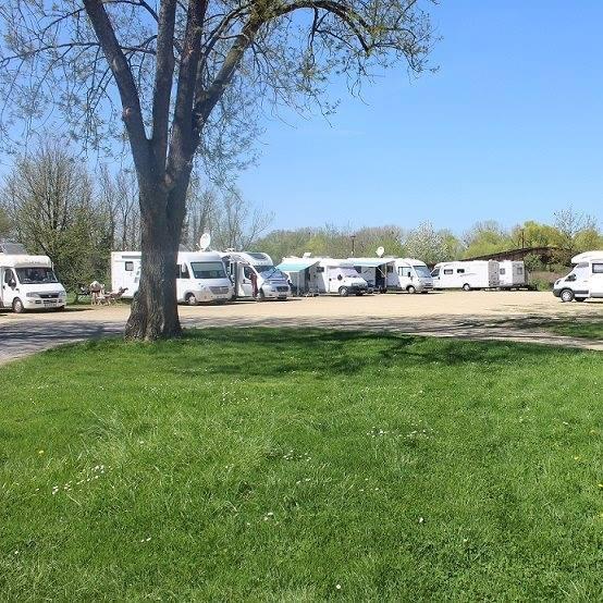 Aire de services et de stationnement camping cars - Aire de stationnement camping car port la nouvelle ...