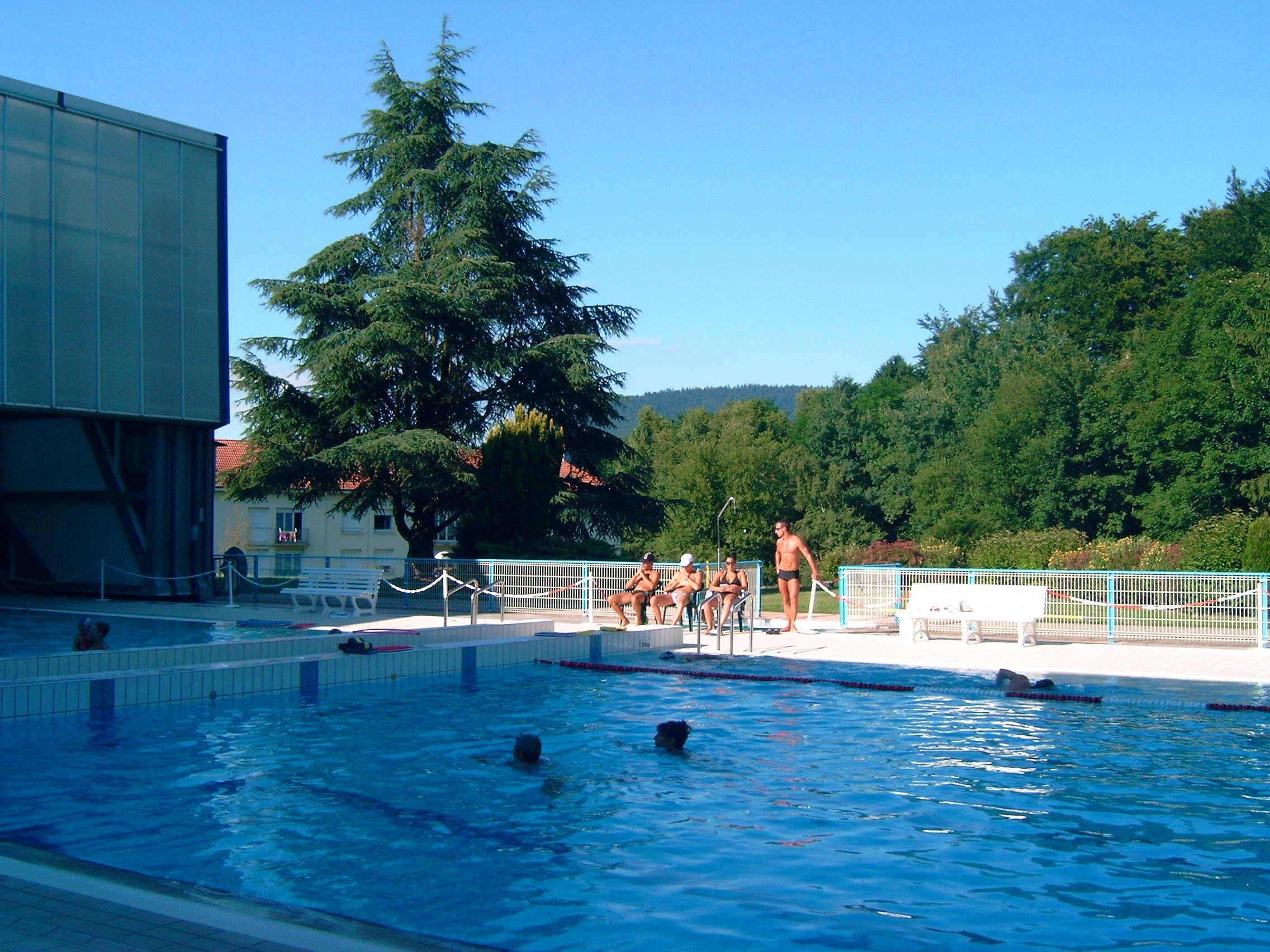 Le centre aquatique de remiremont remiremont massif des for Piscine de remiremont