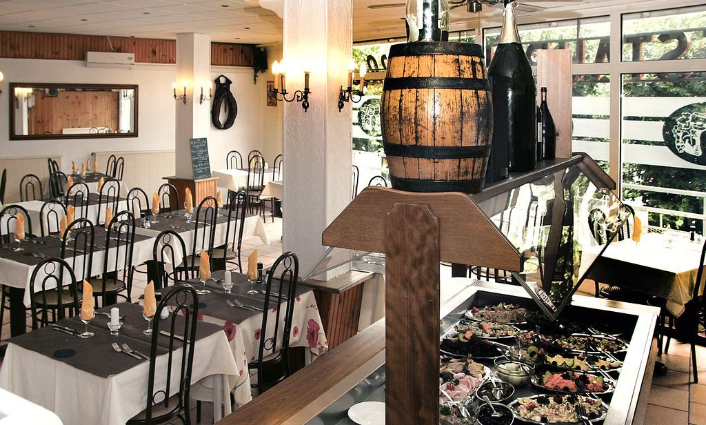 restaurant albert premier restaurant 54400 longwy. Black Bedroom Furniture Sets. Home Design Ideas