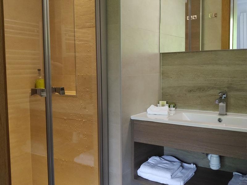 HOTEL-RESTAURANT-NOTRE-DAME-DE-BONNE-FONTAINE_9