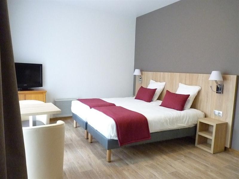 HOTEL-RESTAURANT-NOTRE-DAME-DE-BONNE-FONTAINE_1