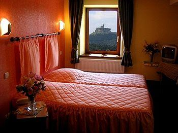 HOTEL-RESTAURANT-DES-VOSGES-LA-HOUBE_1