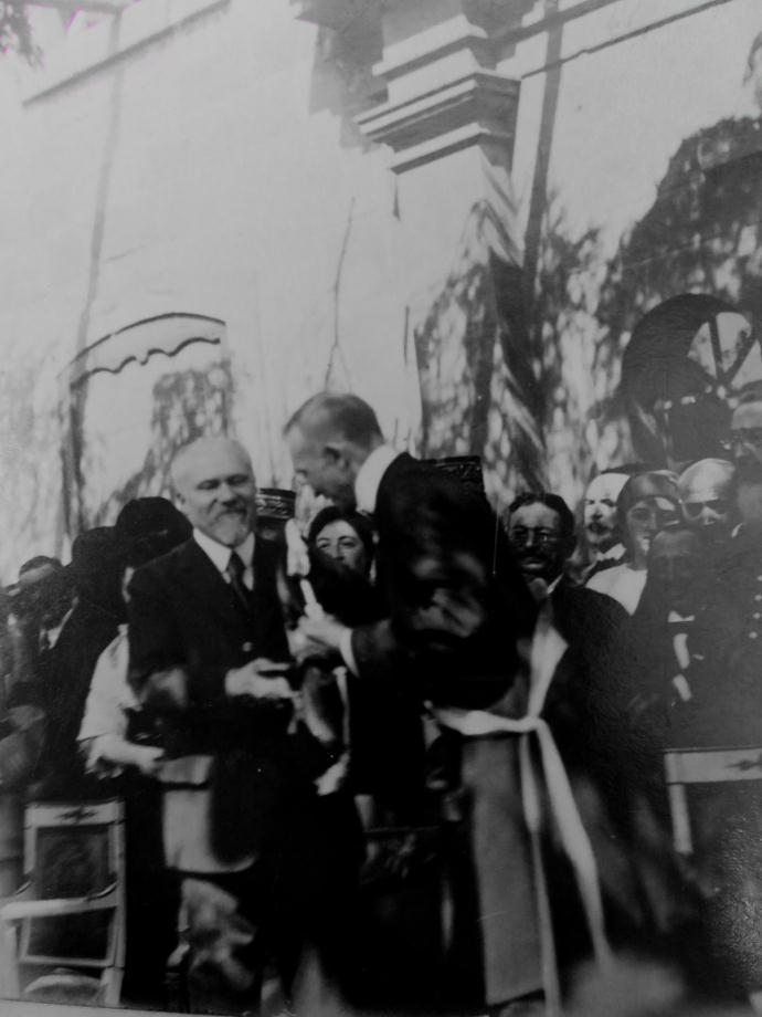 1919-LGION-DHONNEUR-ET-MONUMENT-AUX-MORTS_0