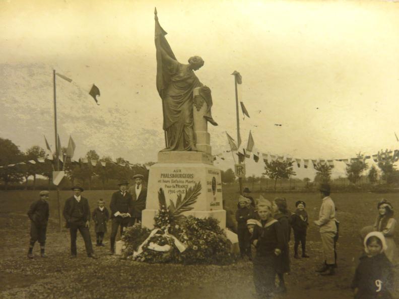 1919-LGION-DHONNEUR-ET-MONUMENT-AUX-MORTS_1