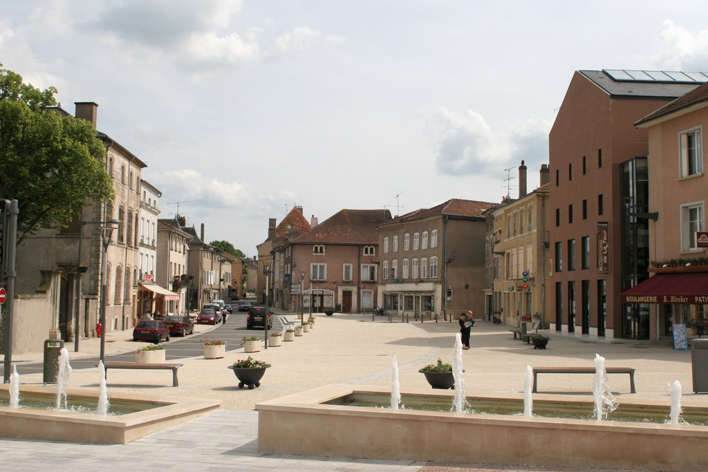 VILLAGE DE VIC-SUR-SEILLE