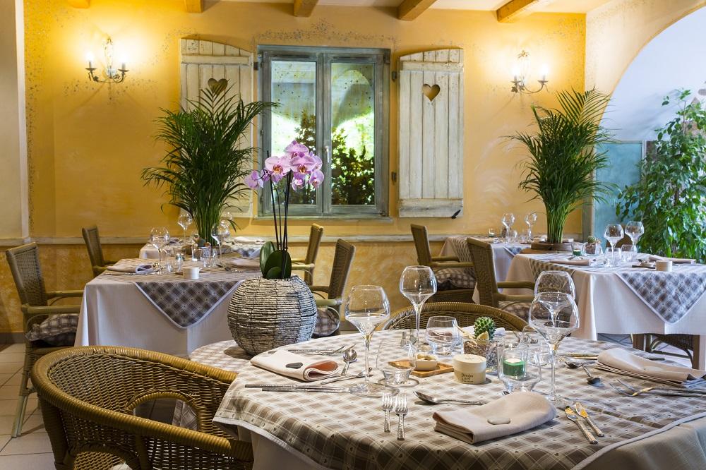 Le haut jardin hotel spa chalets jacuzzis prives for Haut jardin rehaupal