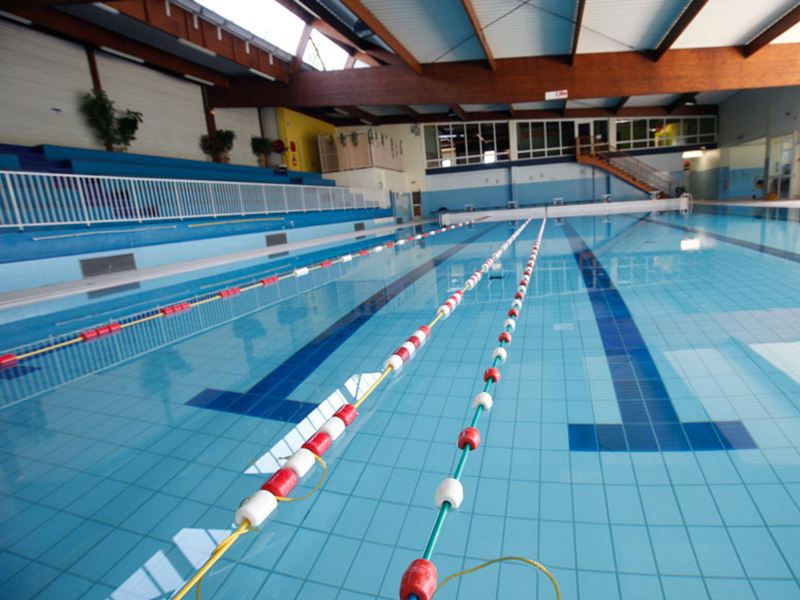 THE INTERCOMMUNAL SWIMMING-POOL IN NEUFCHÂTEAU
