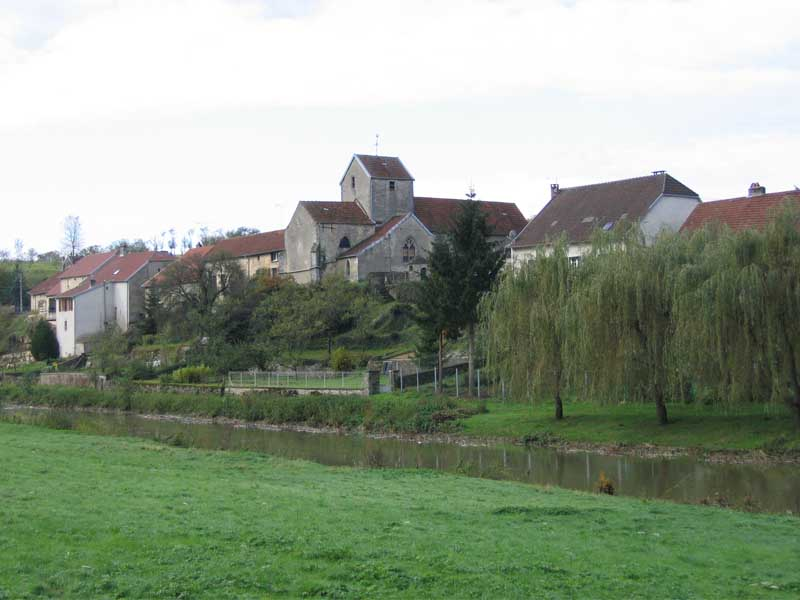 LE VILLAGE DE CIRCOURT-SUR-MOUZON